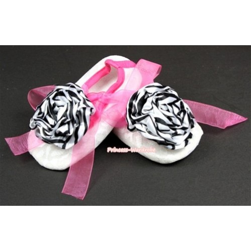 White Lace Crib Shoes With Hot Pink Ribbon With Zebra Rose S547