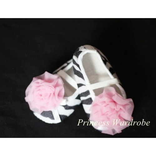 Baby Zebra Crib Shoes with Light Pink Rosettes S01